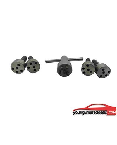 4 parafusos + chave para centro da roda da turbina Clio 16S